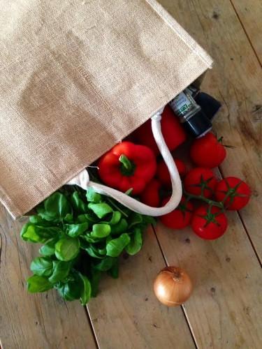 Groentetas - zelfgemaakte pastasaus - puur suzanne