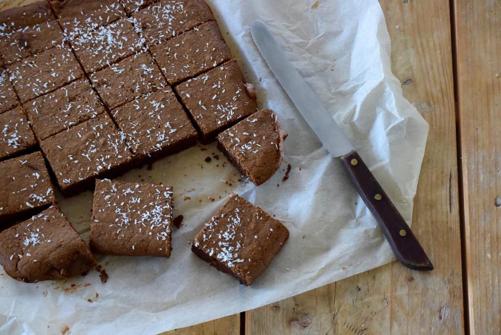 brownies met zwarte bonen - www.puursuzanne.nl