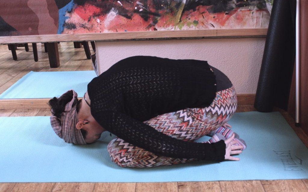 5 yogahoudingen om mee tot rust te komen
