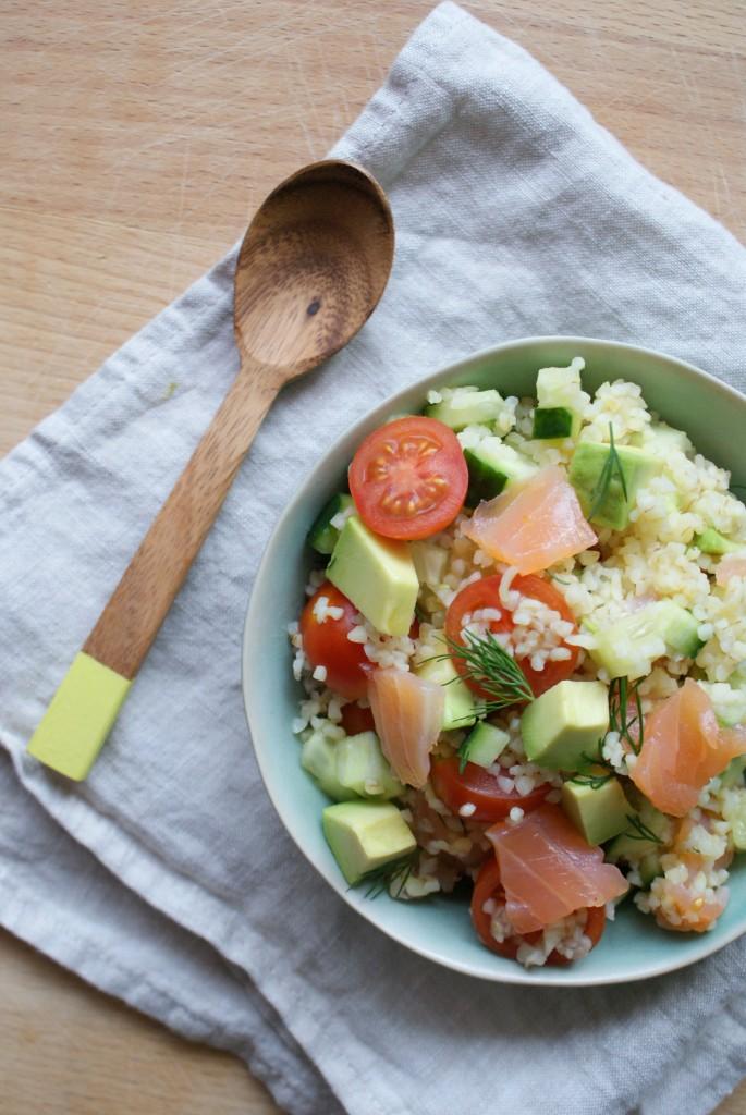 salade met zalm en bulgur