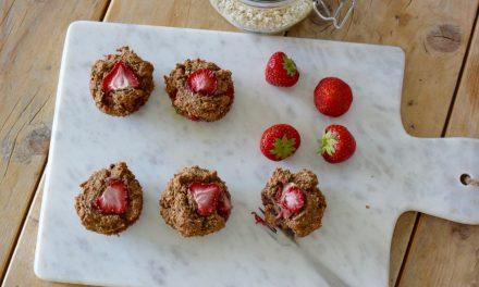 Vegan muffins met aardbeien