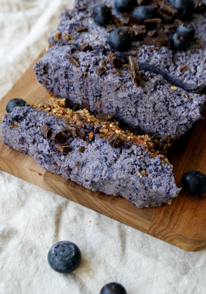 Raw bosbessen cake - www.puursuzanne.nl