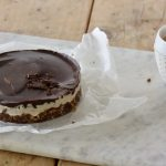 Raw taartje met kokos en chocolade