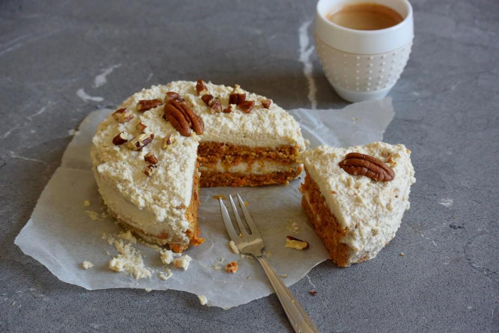 vegan worteltaart - raw taart - raw cake - vegan carrotcake - www.puursuzanne.nl