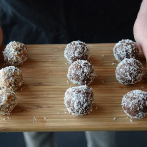 Cookie dough ball | vegan tussendoortje | Puur Suzanne