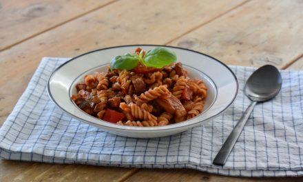 Vegan pasta met champignons en walnoten
