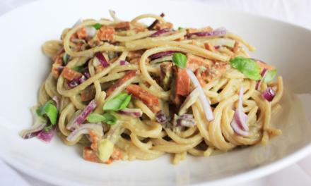 Veganistische spaghetti carbonara