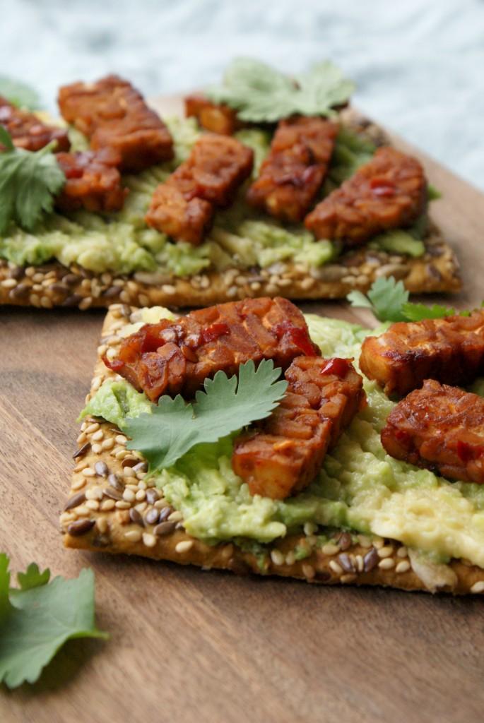 Spicy tempeh crackers - www.puursuzanne.nl - vega en vegan broodbeleg