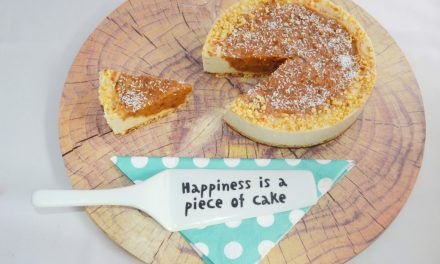 Raw caramel cheesecake