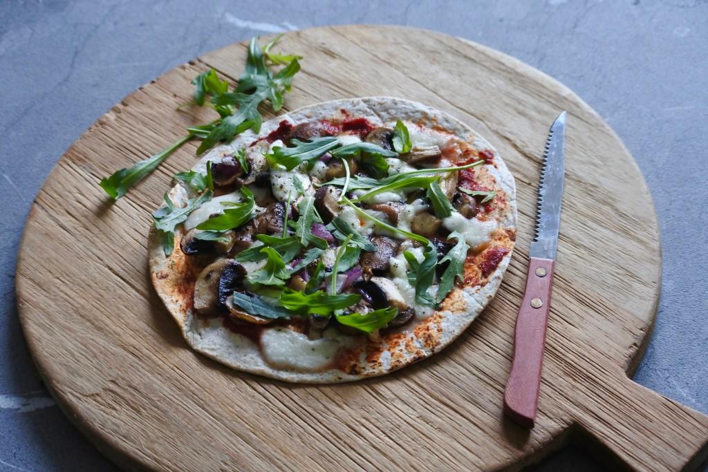 Vegetarische wrap pizza - www.puursuzanne.nl