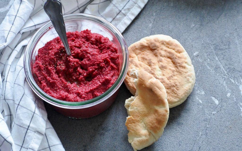 Hummus met bietjes