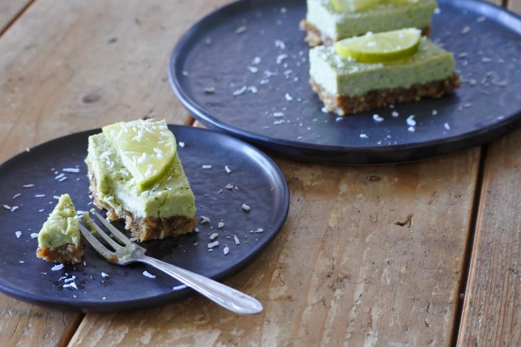 Vegan limoentaartje - vegan cake - plantbased cake - www.puursuzanne.nl