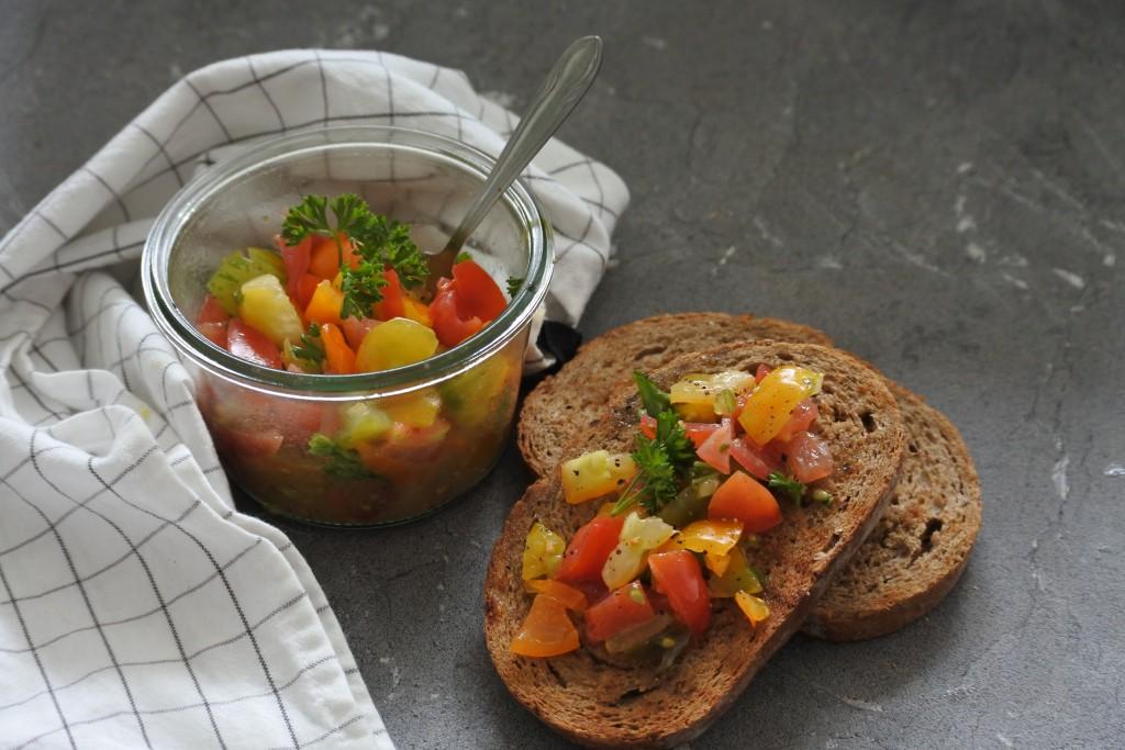 Makkelijke tomatensalsa - www.puursuzanne.nl