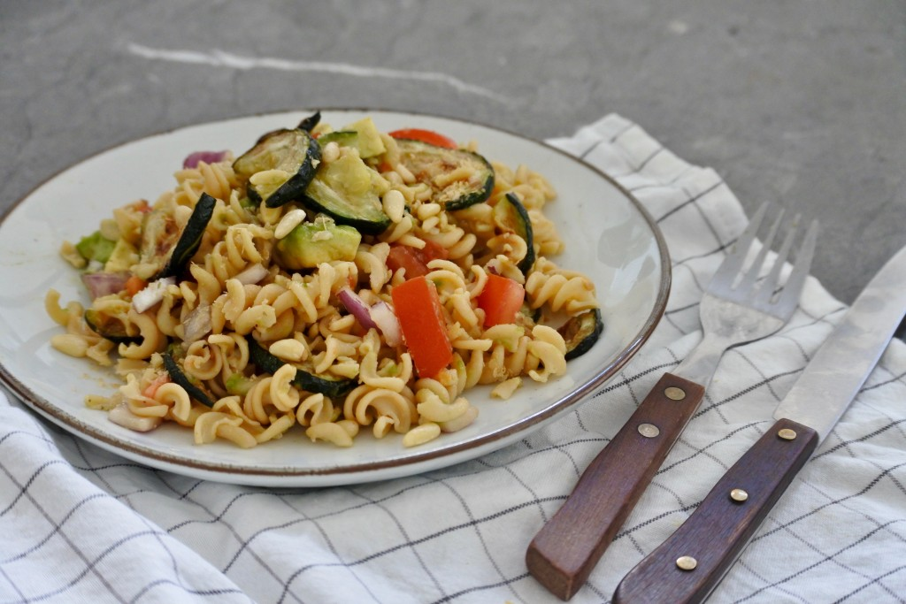 Vegan pastasalade - www.puursuzanne.nl
