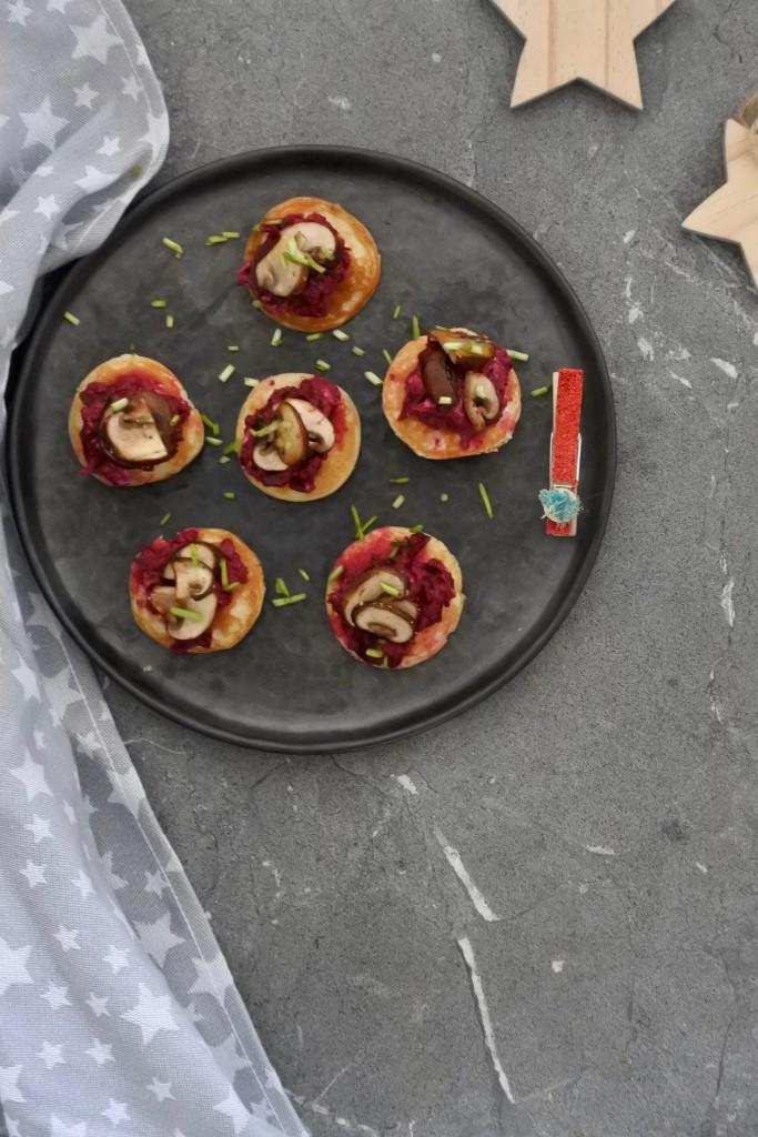Blini's met bieten en champignons | kerst recept | vega borrelhapje | puur Suzanne