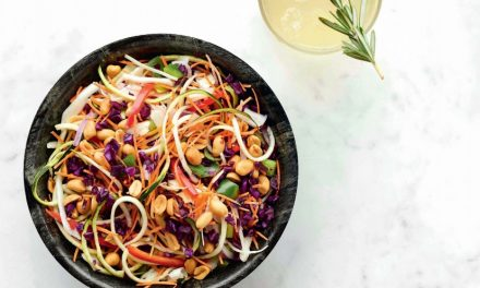 Vegan Pad Thai uit het kookboek Easy vegan 2