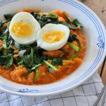 Zoete aardappel stamppot met spinazie en ei