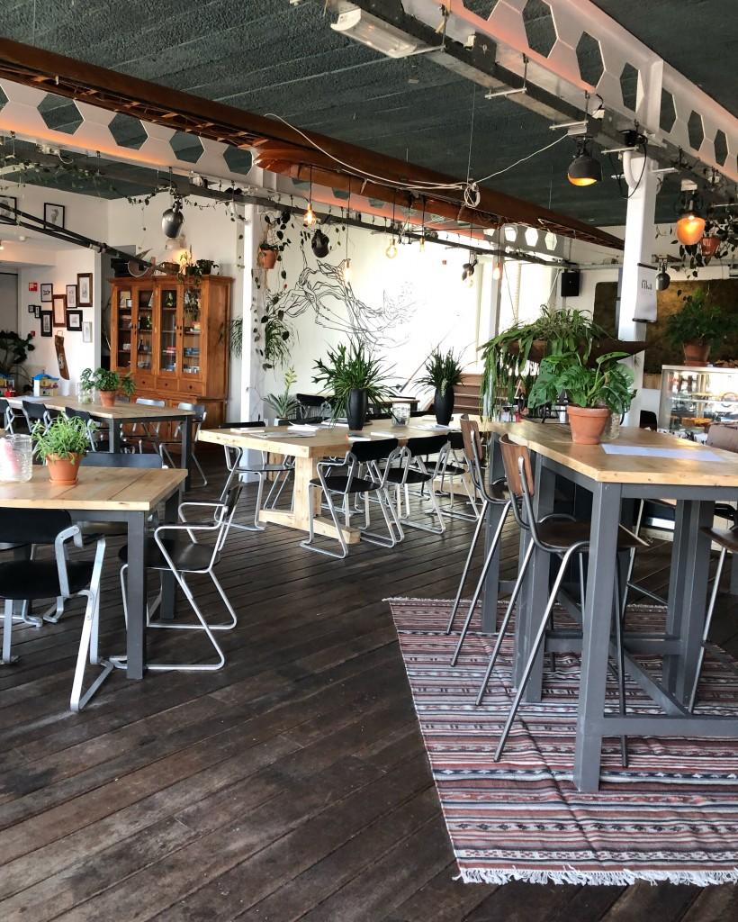 PLSTK cafe - www.puursuzanne.nl