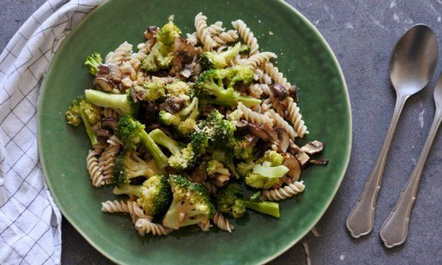 Pasta met broccoli en champignons