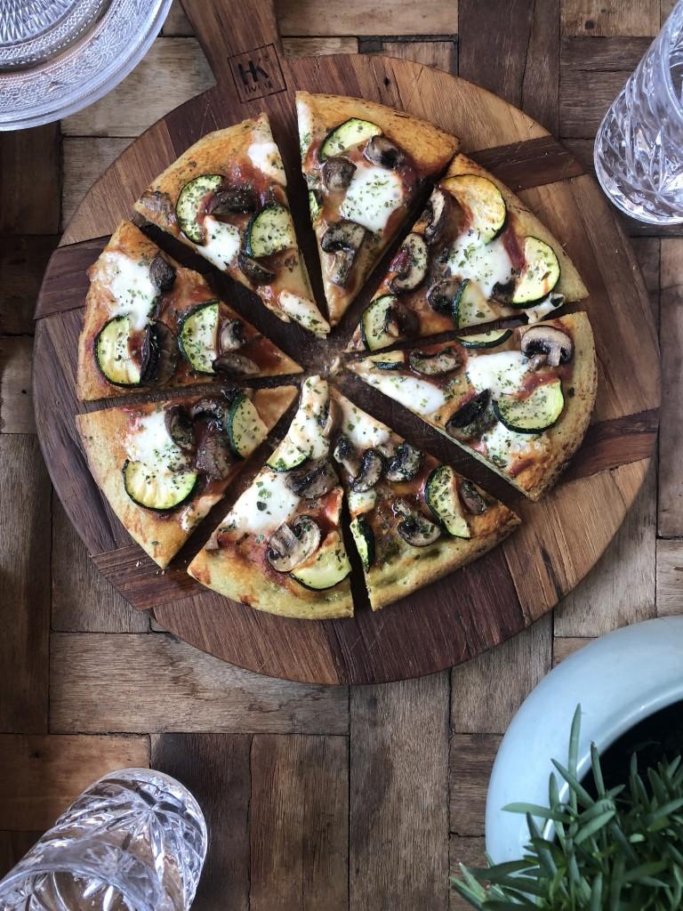Vegetarische pizza - www.puursuzanne.nl