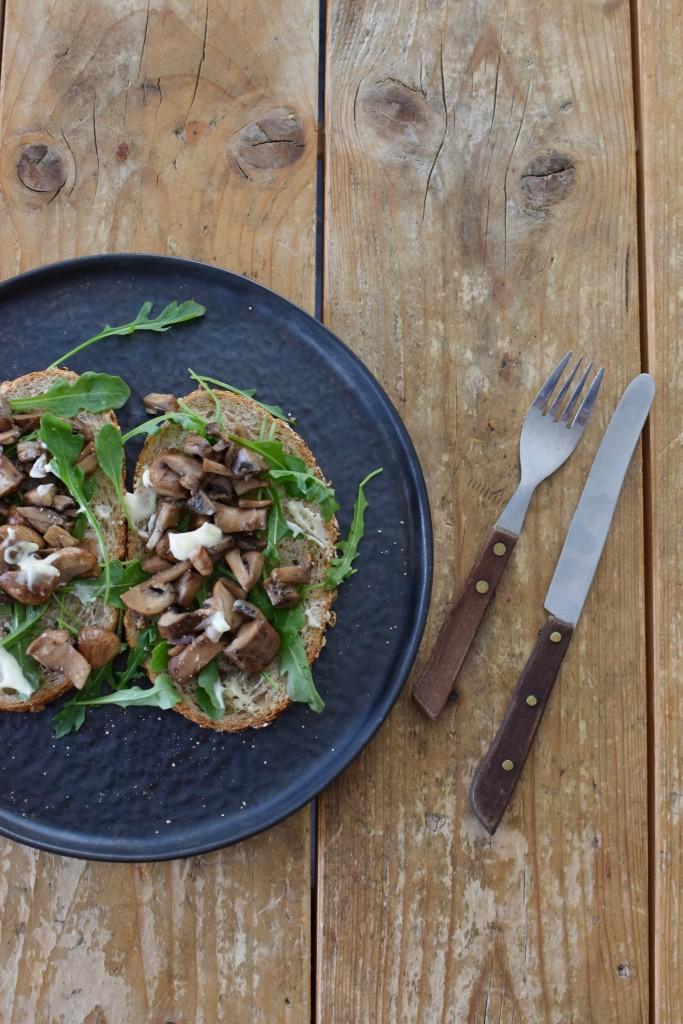 Boterhammen met gebakken champignons