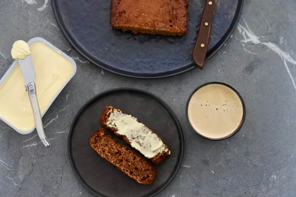 gezonde ontbijtkoek - ontbijtkoek zelf maken - gezonde tussendoortjes - www.puursuzanne.nl