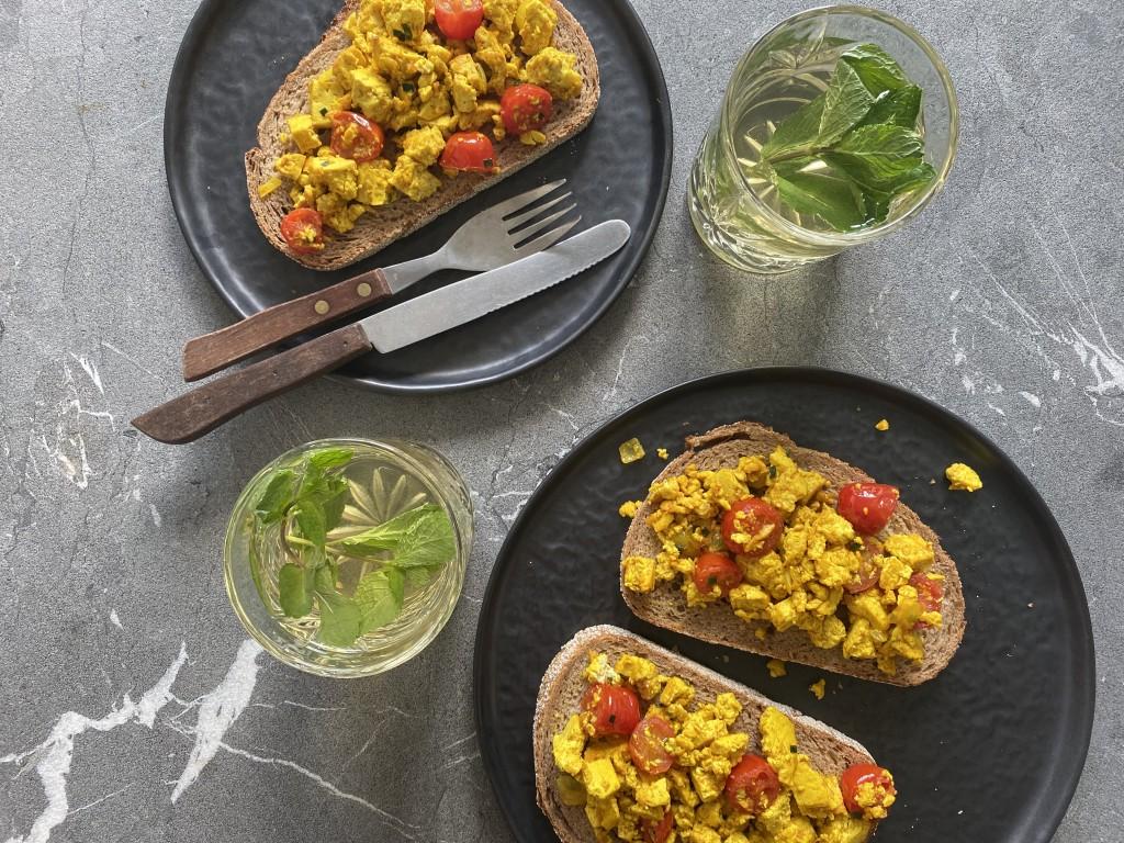 Scrambled tofu - www.puursuzanne.nl