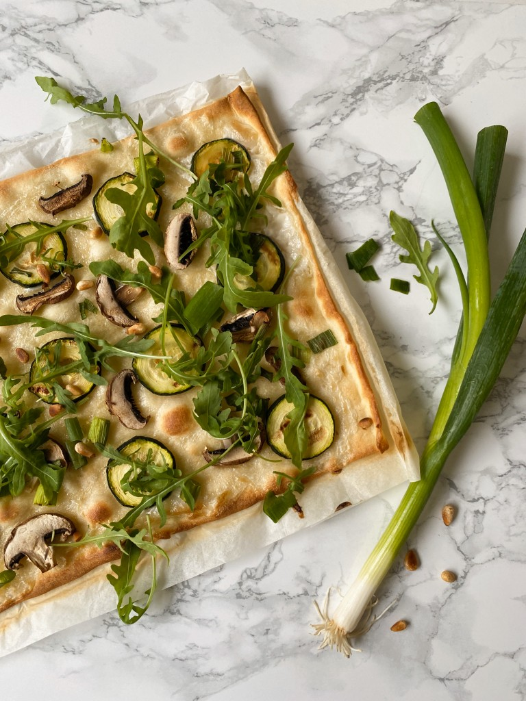 Flammkuchen met gegrilde groente | vegen flammkuchen | lunch | puur suzanne